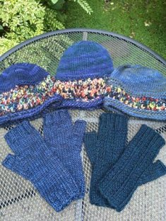 _blue-hats-gloves
